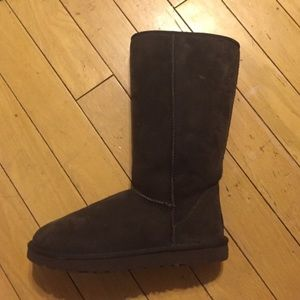UGG Shoes - Tall Brown Uggs - Size 8